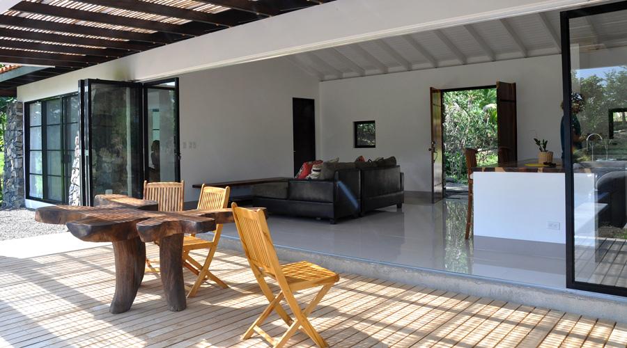 costa rica immobilier villa j2 sans 3 villa neuve 2 ch grand terrain piscine d bordement. Black Bedroom Furniture Sets. Home Design Ideas
