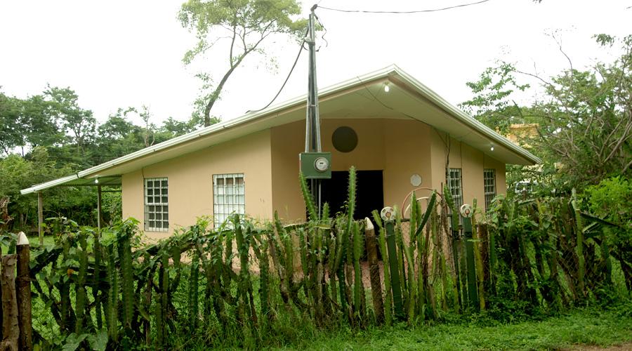 costa rica immobilier casa triangulo petite maison 2 ch terrain 455 m proche tamarindo. Black Bedroom Furniture Sets. Home Design Ideas